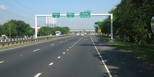 Alazaro - NLEX-road